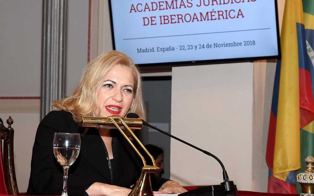 ANIA GRANJO, ÚNICA MUJER JURISTA COMUNICANTE EN EL X CONGRESO DE ACADEMIAS JURÍDICAS IBEROAMERICANAS